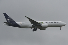 木人さんが、成田国際空港で撮影したルフトハンザ・カーゴ 777-Fの航空フォト(飛行機 写真・画像)