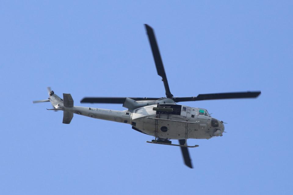 キイロイトリさんのアメリカ海兵隊 Bell UH-1 Iroquois / Huey (168501) 航空フォト