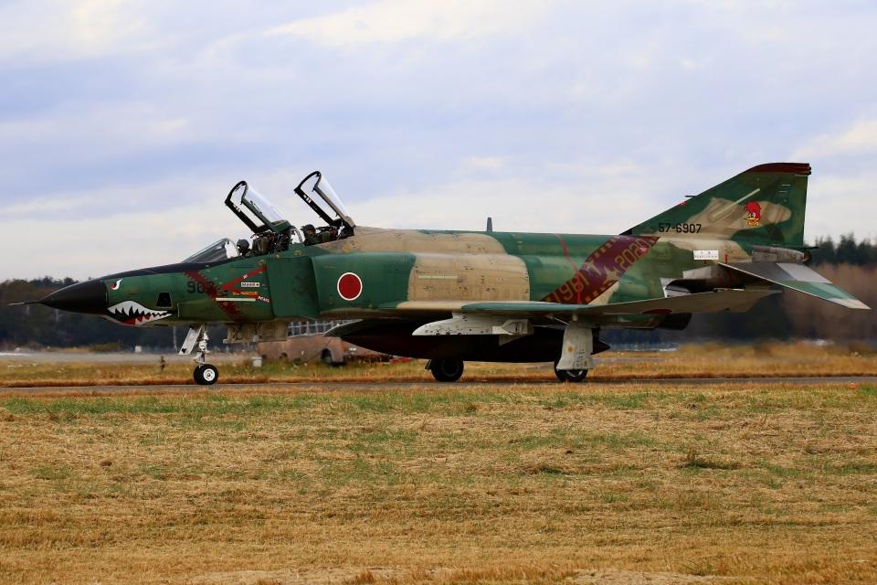 ちゅういちさんの航空自衛隊 McDonnell Douglas RF-4E Phantom II (57-6907) 航空フォト