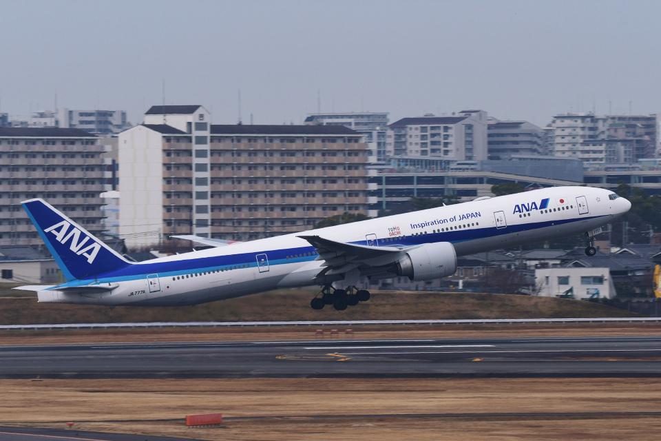 TOPAZ102さんの全日空 Boeing 777-300 (JA777A) 航空フォト