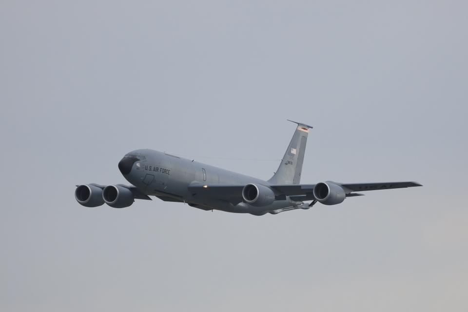 さんたまるたさんのアメリカ空軍 Boeing C-135 Stratolifter (63-8021) 航空フォト