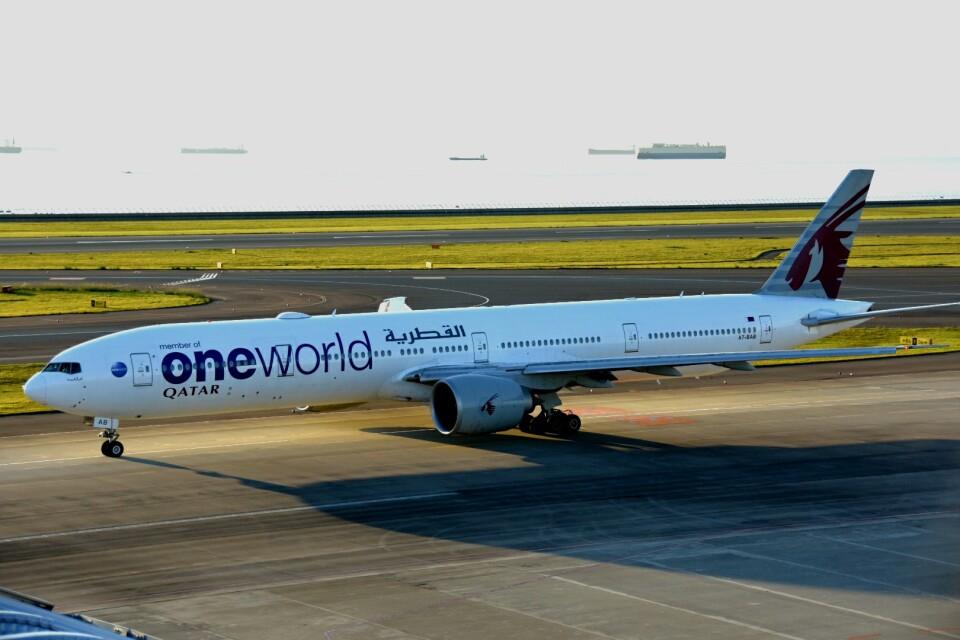 MSN/PFさんのカタール航空 Boeing 777-300 (A7-BAB) 航空フォト