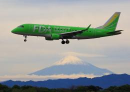 タミーさんが、静岡空港で撮影したフジドリームエアラインズ ERJ-170-200 (ERJ-175STD)の航空フォト(飛行機 写真・画像)