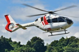 ブルーさんさんが、静岡ヘリポートで撮影した中日本航空 EC135P3の航空フォト(飛行機 写真・画像)