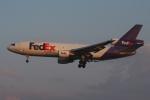 zettaishinさんが、ブラッドレー国際空港で撮影したフェデックス・エクスプレス MD-10-30Fの航空フォト(飛行機 写真・画像)