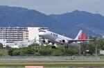 mild lifeさんが、伊丹空港で撮影したジェイエア ERJ-190-100(ERJ-190STD)の航空フォト(飛行機 写真・画像)