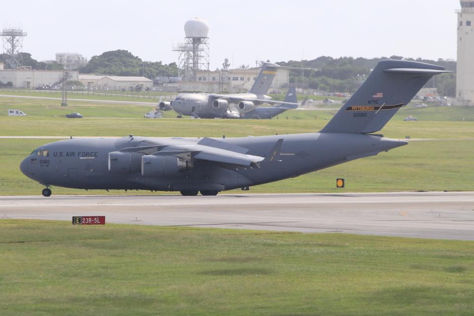 キイロイトリさんのアメリカ空軍 Boeing C-17 (00-0180) 航空フォト