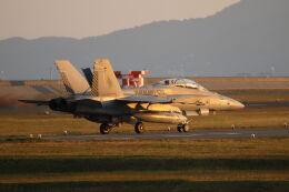 mocohide☆さんが、岩国空港で撮影したアメリカ海兵隊 F/A-18D Hornetの航空フォト(飛行機 写真・画像)