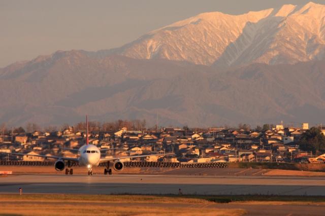 Hiro-hiroさんが、新潟空港で撮影したトランスアジア航空 A321-131の航空フォト(飛行機 写真・画像)