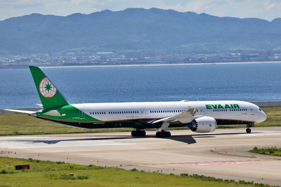 deideiさんのエバー航空 Boeing 787-10 (B-17802) 航空フォト