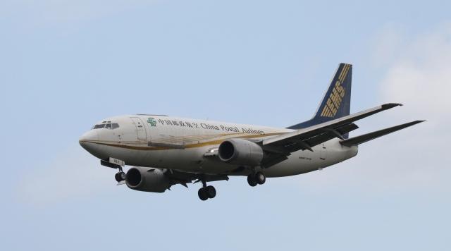 raichanさんが、成田国際空港で撮影した中国郵政航空 737-35N(SF)の航空フォト(飛行機 写真・画像)