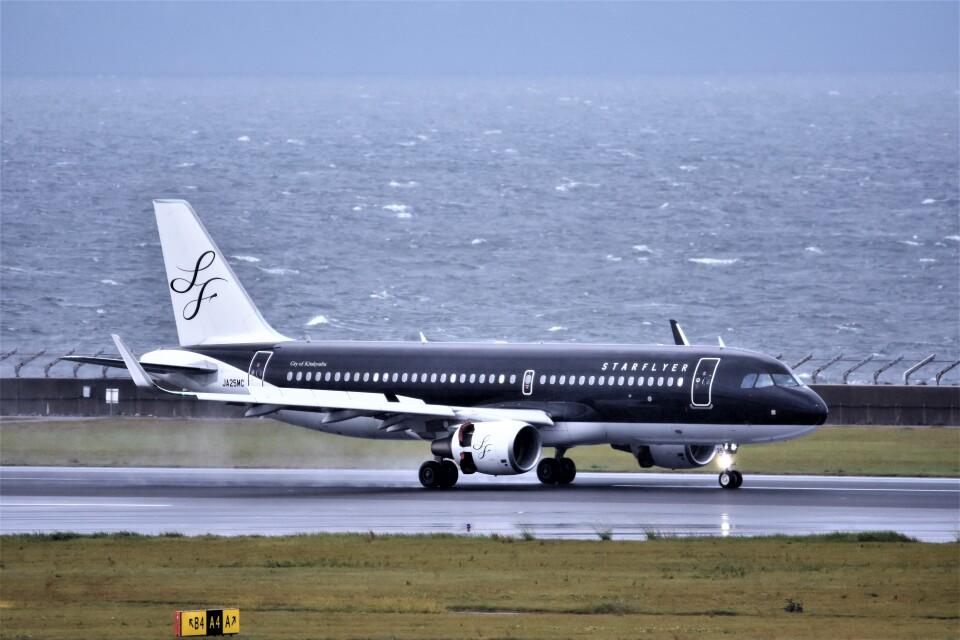 MSN/PFさんのスターフライヤー Airbus A320 (JA25MC) 航空フォト