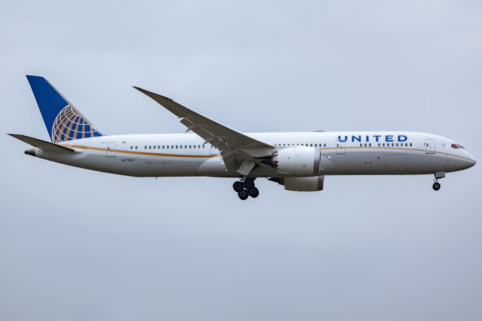 KoshiTomoさんのユナイテッド航空 Boeing 787-9 (N27958) 航空フォト