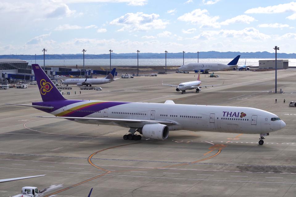 yabyanさんのタイ国際航空 Boeing 777-300 (HS-TKF) 航空フォト