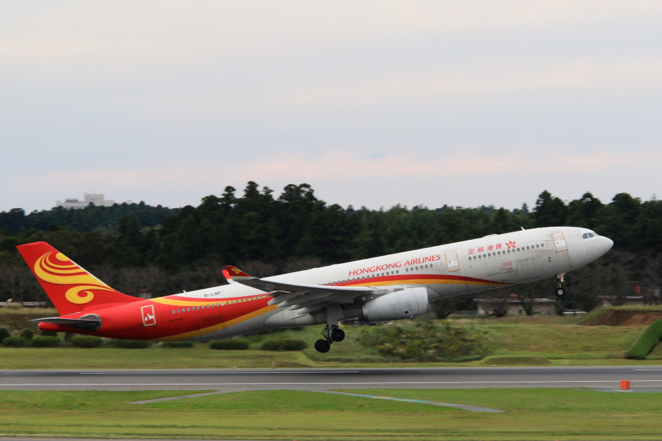 inyoさんの香港航空 Airbus A330-300 (B-LNP) 航空フォト