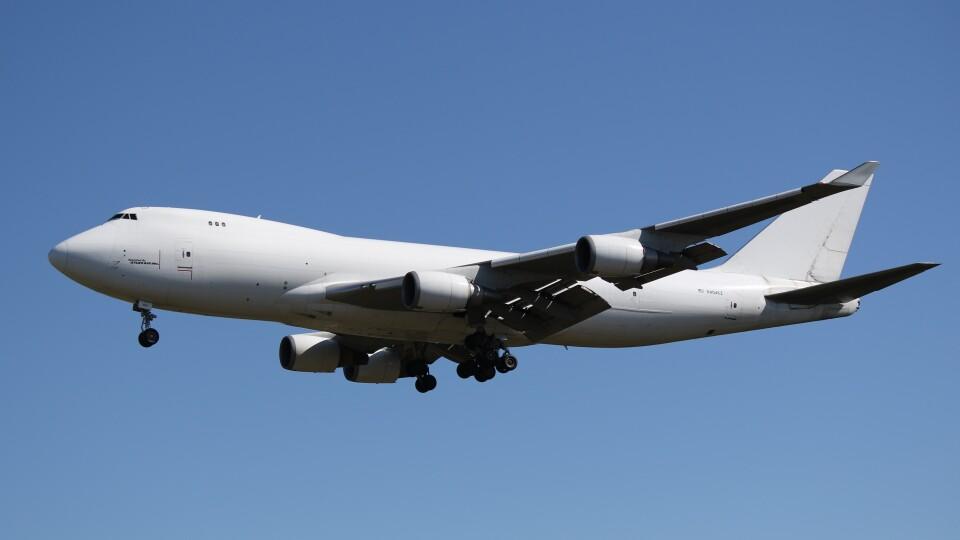 redbull_23さんのウィルミントン・トラスト・カンパニー Boeing 747-400 (N404KZ) 航空フォト