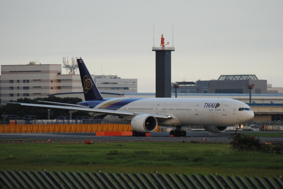 LEGACY-747さんのタイ国際航空 Boeing 777-300 (HS-TKJ) 航空フォト