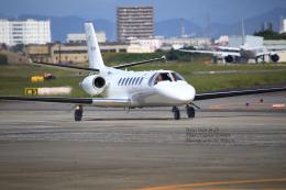 hikaruphotographさんが、名古屋飛行場で撮影した中日本航空 560 Citation Vの航空フォト(飛行機 写真・画像)