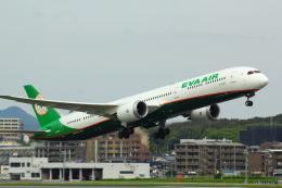 幹ポタさんが、福岡空港で撮影したエバー航空 787-10の航空フォト(飛行機 写真・画像)