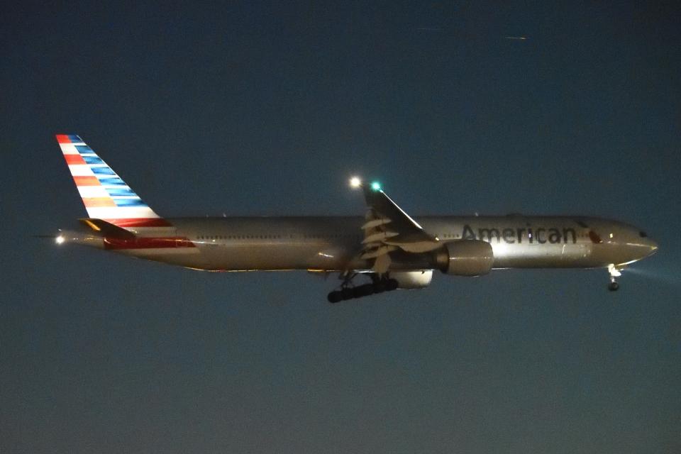木人さんのアメリカン航空 Boeing 777-300 (N719AN) 航空フォト