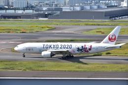 JA8101さんが、羽田空港で撮影した日本航空 777-246の航空フォト(飛行機 写真・画像)