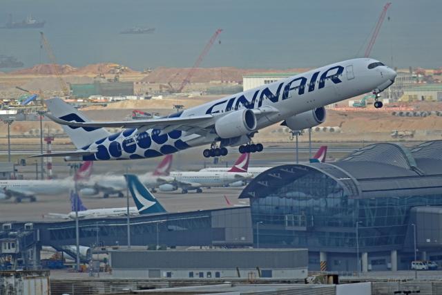 Souma2005さんが、香港国際空港で撮影したフィンエアー A350-941の航空フォト(飛行機 写真・画像)