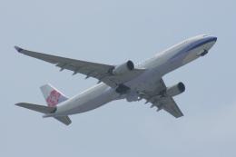 Mr.boneさんが、那覇空港で撮影したチャイナエアライン A330-302の航空フォト(飛行機 写真・画像)