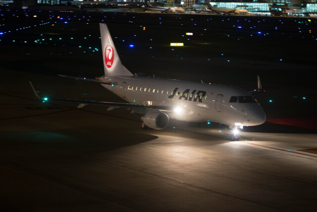 Koenig117さんが、福岡空港で撮影したジェイエア ERJ-170-100 (ERJ-170STD)の航空フォト(飛行機 写真・画像)