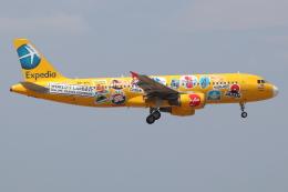 つみネコ♯2さんが、クアラルンプール国際空港で撮影したエアアジア A320-216の航空フォト(飛行機 写真・画像)
