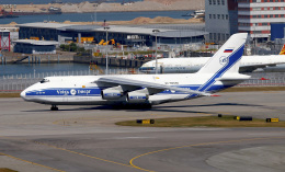 Asamaさんが、香港国際空港で撮影したヴォルガ・ドニエプル航空 An-124-100 Ruslanの航空フォト(飛行機 写真・画像)