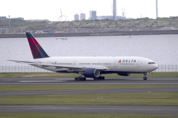 maverickさんが、羽田空港で撮影したデルタ航空 777-232/ERの航空フォト(飛行機 写真・画像)