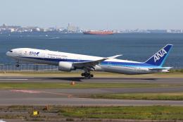 やまけんさんが、羽田空港で撮影した全日空 777-381/ERの航空フォト(飛行機 写真・画像)