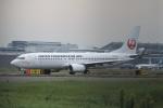 飛行機ゆうちゃんさんが、羽田空港で撮影した日本トランスオーシャン航空 737-8Q3の航空フォト(飛行機 写真・画像)