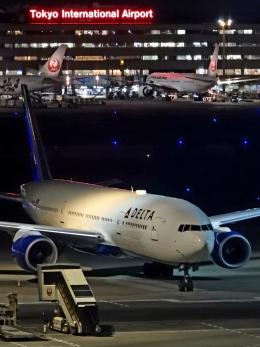 チャレンジャーさんが、羽田空港で撮影したデルタ航空 777-232/ERの航空フォト(飛行機 写真・画像)