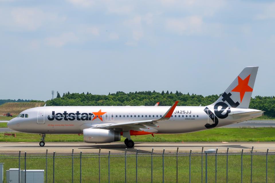 らむえあたーびんさんのジェットスター・ジャパン Airbus A320 (JA25JJ) 航空フォト