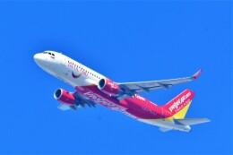 Hiro Satoさんが、スワンナプーム国際空港で撮影したタイ・ベトジェットエア A320-214の航空フォト(飛行機 写真・画像)