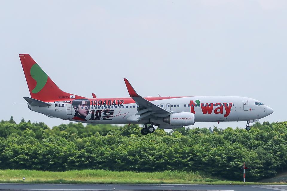 らむえあたーびんさんのティーウェイ航空 Boeing 737-800 (HL8235) 航空フォト