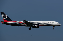 simokさんが、関西国際空港で撮影したSF エアラインズ 757-2Y0(SF)の航空フォト(飛行機 写真・画像)