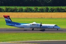 ちっとろむさんが、ウィーン国際空港で撮影したルクスエア DHC-8-402Q Dash 8の航空フォト(飛行機 写真・画像)