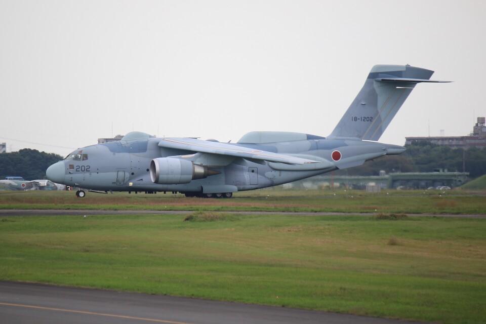 メンチカツさんの航空自衛隊 Kawasaki C-2 (18-1202) 航空フォト