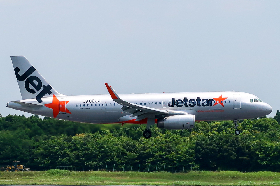 らむえあたーびんさんのジェットスター・ジャパン Airbus A320 (JA06JJ) 航空フォト