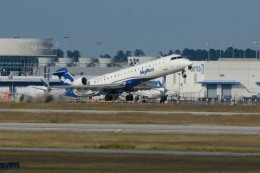 小弦さんが、ジョージ・ブッシュ・インターコンチネンタル空港で撮影したスカイウエスト CL-600-2C10 Regional Jet CRJ-700の航空フォト(飛行機 写真・画像)