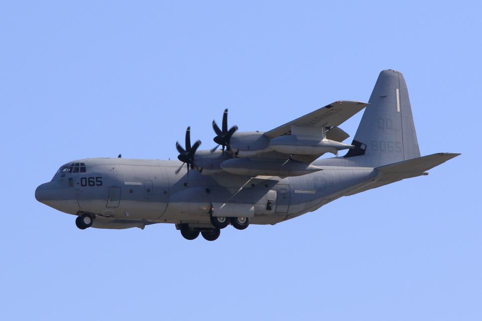 たまさんのアメリカ海兵隊 Lockheed Martin C-130 Hercules (168065) 航空フォト