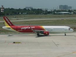 マッペケさんが、タンソンニャット国際空港で撮影したベトジェットエア A321-211の航空フォト(飛行機 写真・画像)