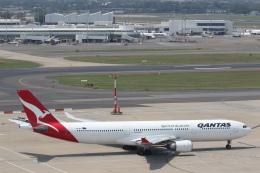 安芸あすかさんが、シドニー国際空港で撮影したカンタス航空 A330-303の航空フォト(飛行機 写真・画像)