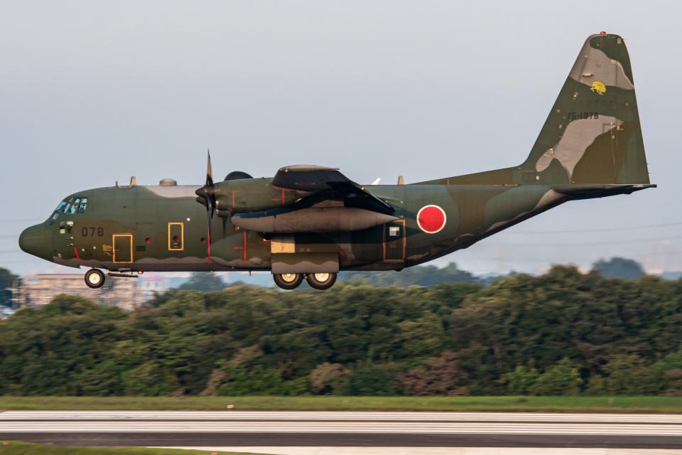 I.Kさんの航空自衛隊 Lockheed C-130 Hercules (75-1078) 航空フォト