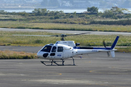 Gambardierさんが、岡南飛行場で撮影したディーエイチシー AS350B3 Ecureuilの航空フォト(飛行機 写真・画像)