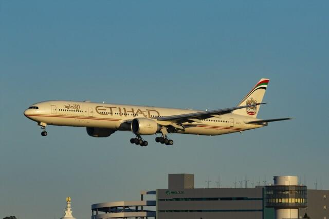 航空フォト:A6-ETI エティハド航空 777-300