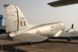 BTYUTAさんが、インディラ・ガンディー国際空港で撮影したインド空軍 C-47A Skytrainの航空フォト(飛行機 写真・画像)