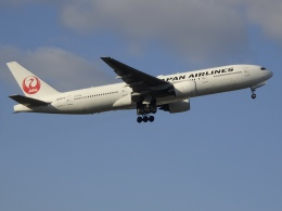 Blue779Aさんが、福岡空港で撮影した日本航空 777-289の航空フォト(飛行機 写真・画像)
